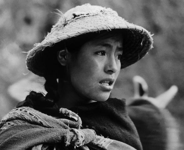 Indio girl. Pisac, Peru. 1954./ Ragazza indio. Pisac, Perù. 1954