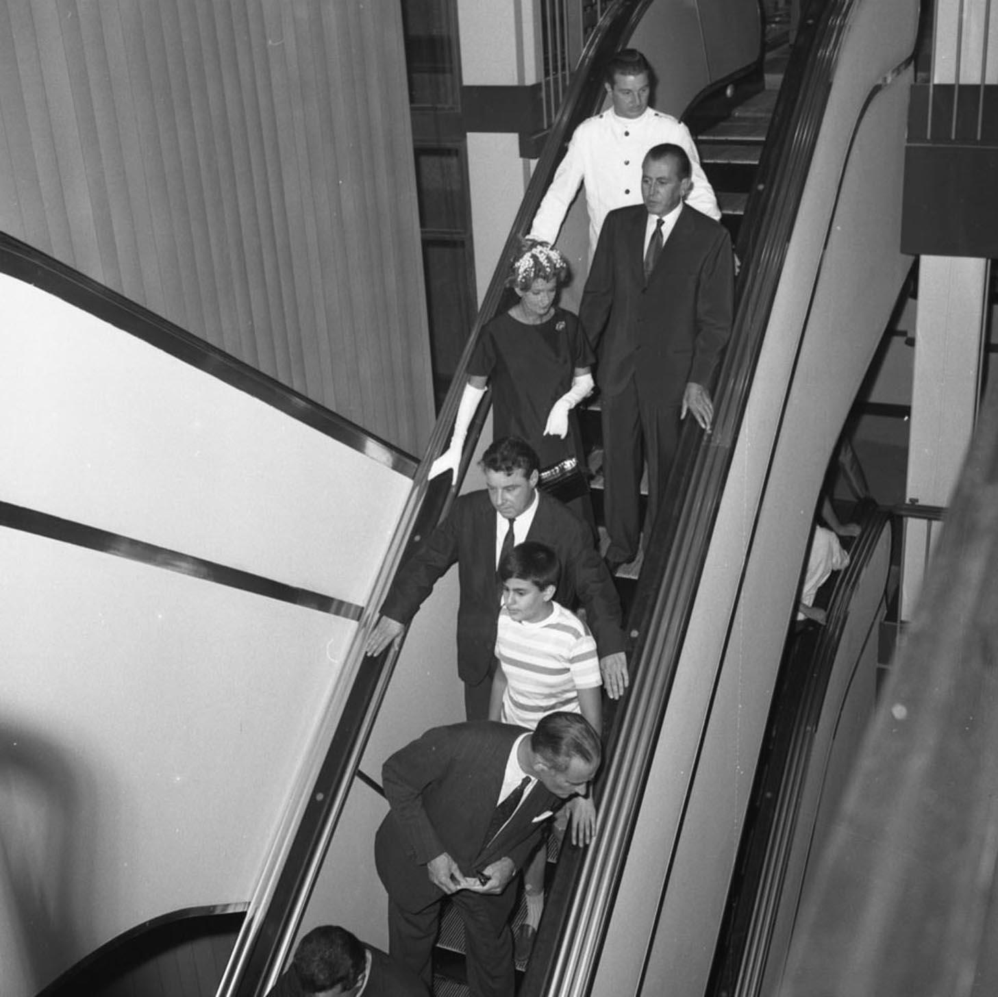 05 publifoto roma la rinascente inaugurazione della sede for Inaugurazione rinascente roma