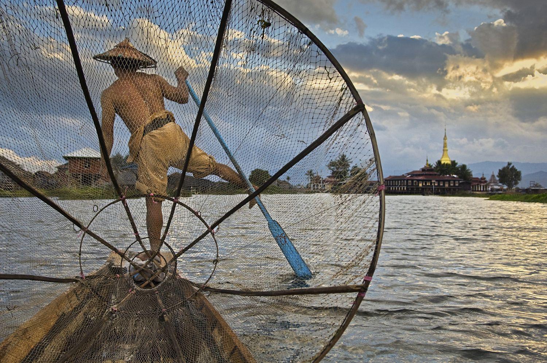 BURMA-10075 Fisherman on Inle Lake, Myanmar (Burma), 2008.
