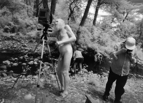 Ana Barrado, Il Maestro e i suoi allievi El Rito Creek, New Mexico, 1996 © Ana Barrado