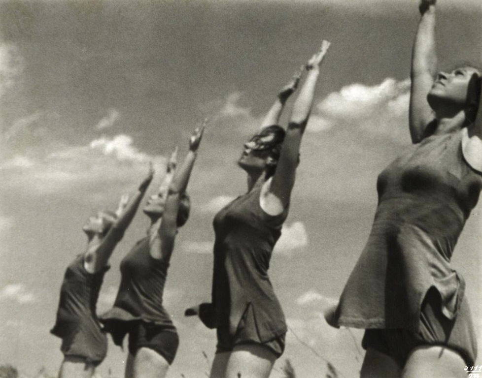 Leni Riefenstahl: Deutsche Turnerinnen, 1936. Collezione privata Dionisio Gavagnin