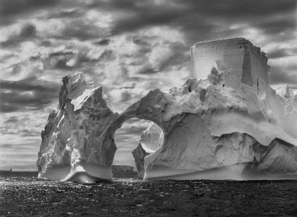 foto della penisola antartica della mostra genesi salgado prorogata