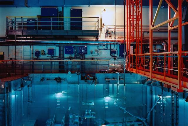Lewis Baltz,Vasca di refrigerazione, centrale nucleare di Gravelines (FR), 2007 Raccolta della fotografia, Galleria civica di Modena © Lewis Baltz