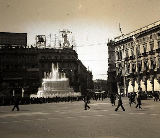 Arnaldo Chierichetti, Le fontane di Piazza Duomo, © Arnaldo Chierichetti