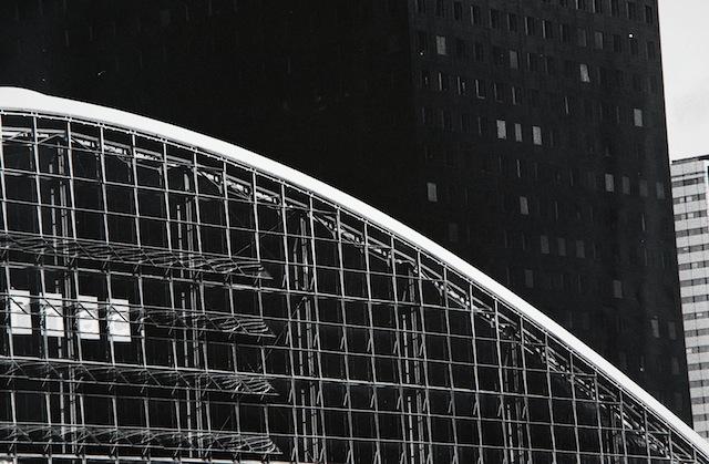 Luca Battaglia, Parigi, La Défence, 1992 Raccolta della fotografia, Galleria civica di Modena © Luca Battaglia