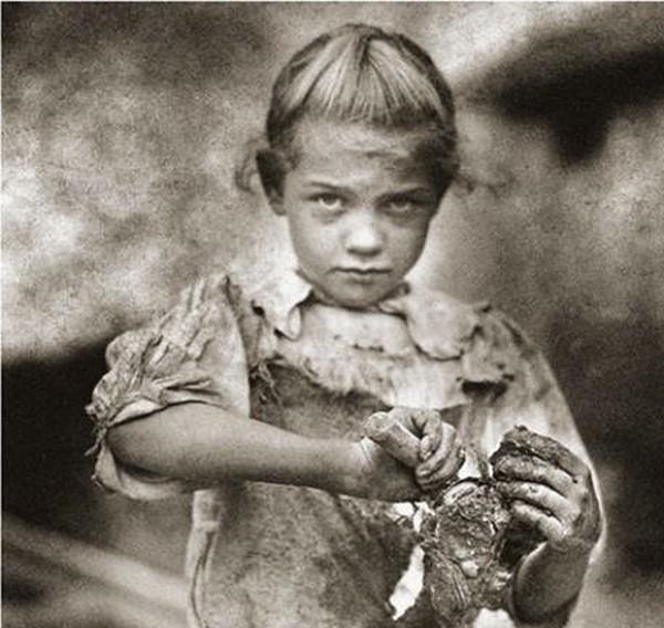Una delle foto di Hine in mostra