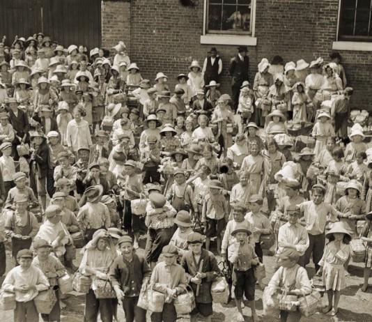 fotografia bambini di Hine in mostra a chivasso