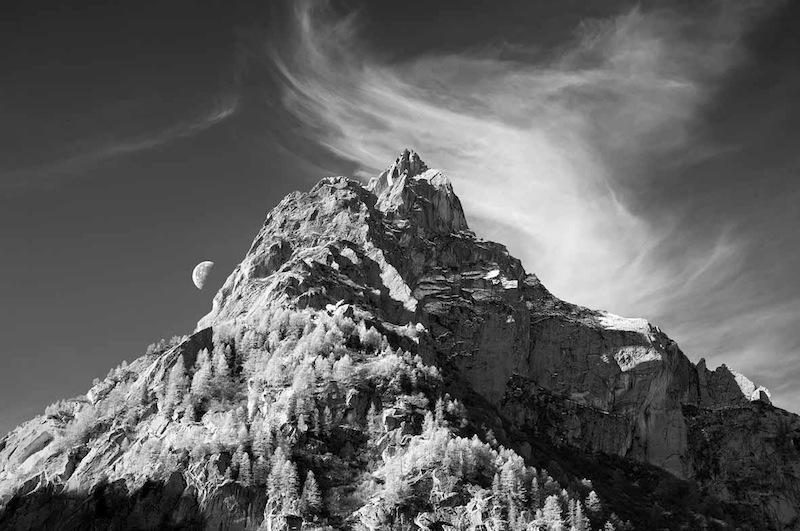 Alberto Bianchi: Luna calante in Val Masino, 2012