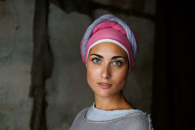 Steve McCurry, A woman in costume for the Perugia Medieval Summer Festival, Around the City; Mercato delle Gaite, Bevagna