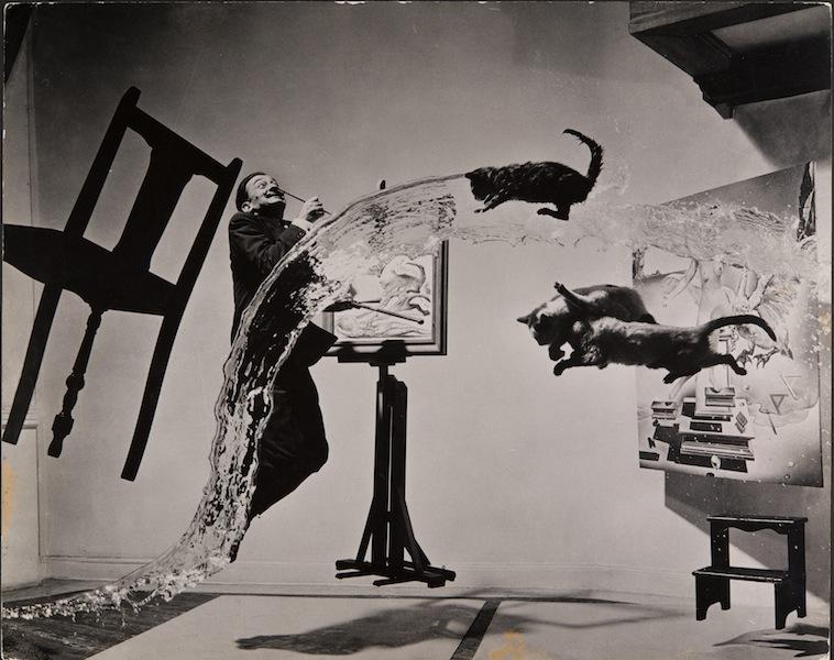 Philippe Halsman, Dalí Atomicus, 1948 Musée de l'Elysée © 2013 Philippe Halsman Archive / Magnum Photos Exclusive rights for images of Salvador Dalí: Fundació Gala-Salvador Dalí, Figueres, 2014