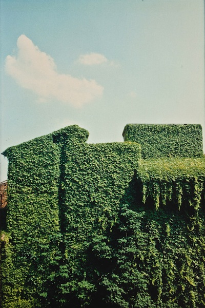 Luigi Ghirri_Ferrara, 1981_Courtesy ©Eredi Ghirri