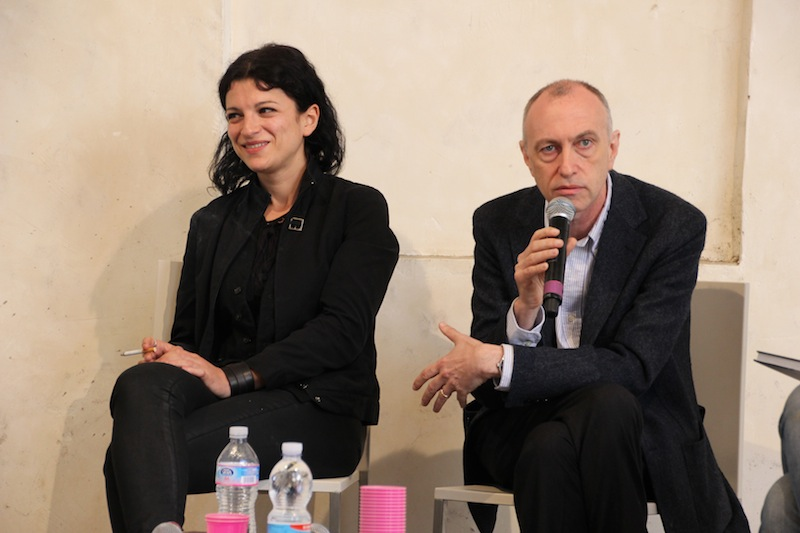 Alisa Resnik dialoga con Rémi Coignet, critico e redattore di Des Livres et des Photos – Le Monde