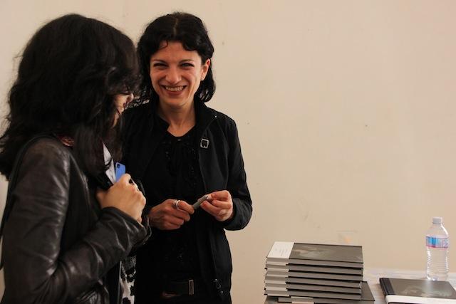 Alisa al booksigning organizzato da Micamera