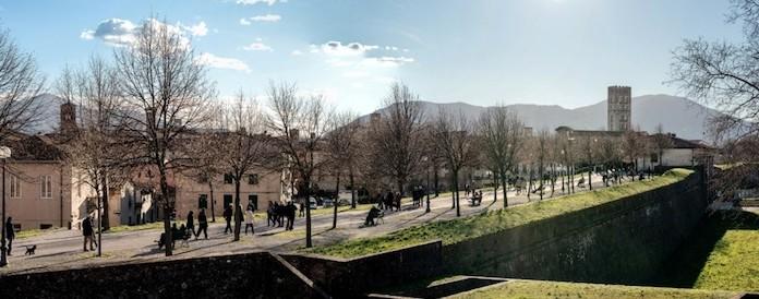 A Lucca gli scatti delle mura viste con l'occhio umano