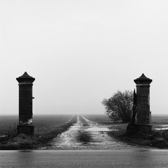 Cesare Di Liborio. Cadelbosco Sotto, Gelatin silver print, 40×40 cm, 1996 © Cesare Di Liborio