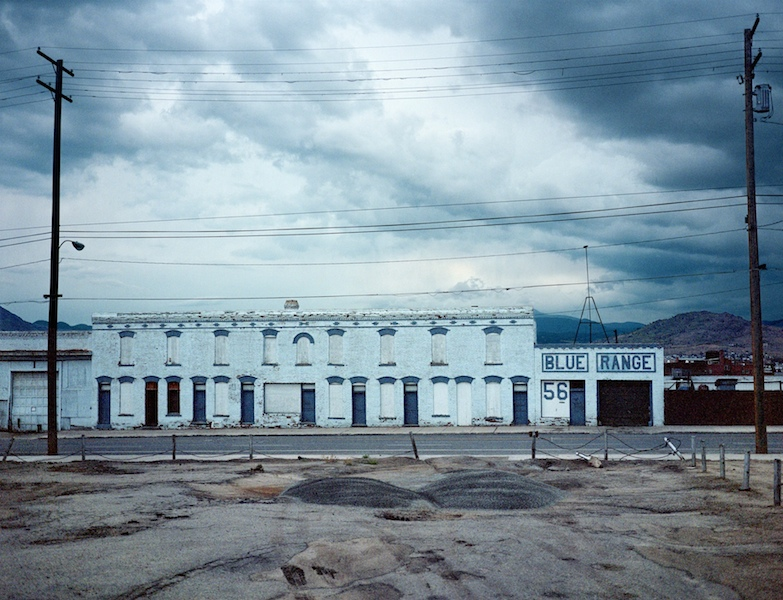 Wim Wenders Blue Range, Butte, Montana © for the reproduced works and texts by Wim Wenders: Wim Wenders/Wenders Images/Verlag der Autoren 2000 Lightjet Print 124 x 152 cm