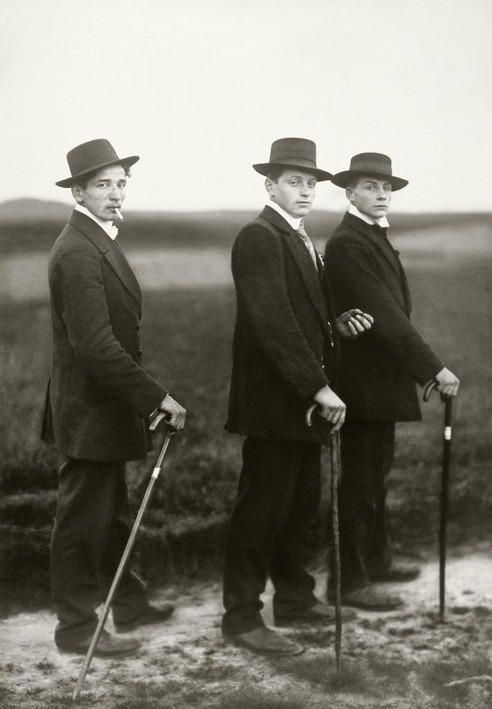 Jungbauern, 1914 © Die Photographische Sammlung/SK Stiftung Kultur – August Sander Archiv, Colonia; SIAE, Roma, 2015
