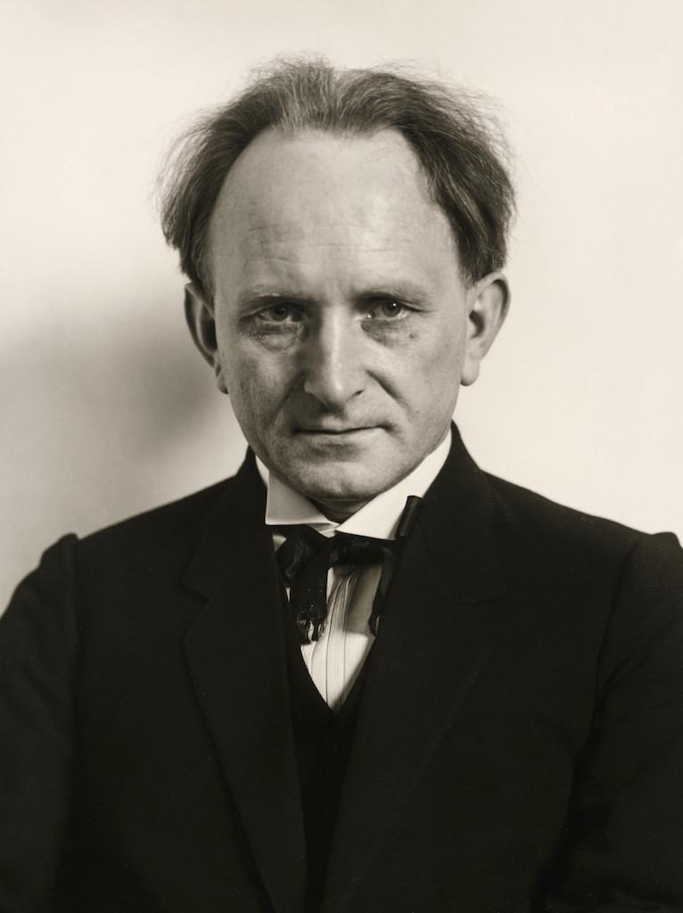 Photographer [August Sander], 1925  © Die Photographische Sammlung/SK Stiftung Kultur – August Sander Archiv, Colonia; SIAE, Roma, 2015