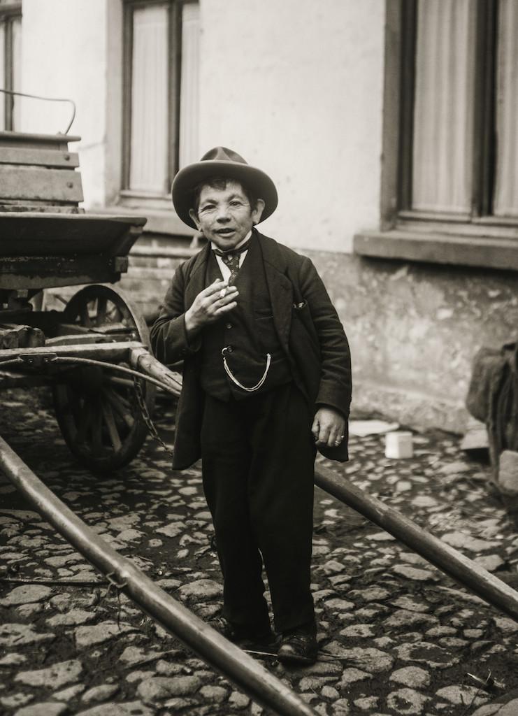 Cretin, 1924  © Die Photographische Sammlung/SK Stiftung Kultur – August Sander Archiv, Colonia; SIAE, Roma, 2015