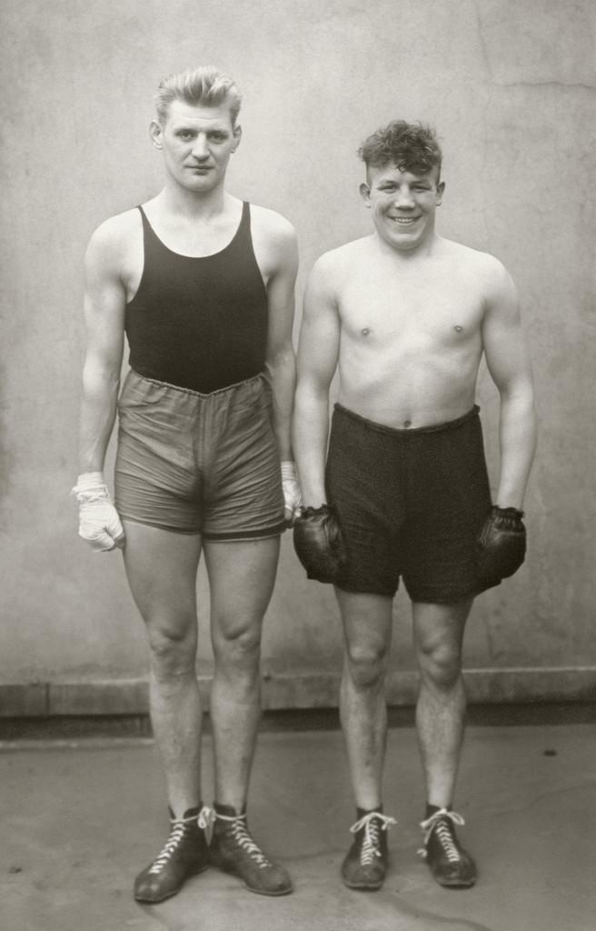 Boxers, 1929  © Die Photographische Sammlung/SK Stiftung Kultur – August Sander Archiv, Colonia; SIAE, Roma, 2015