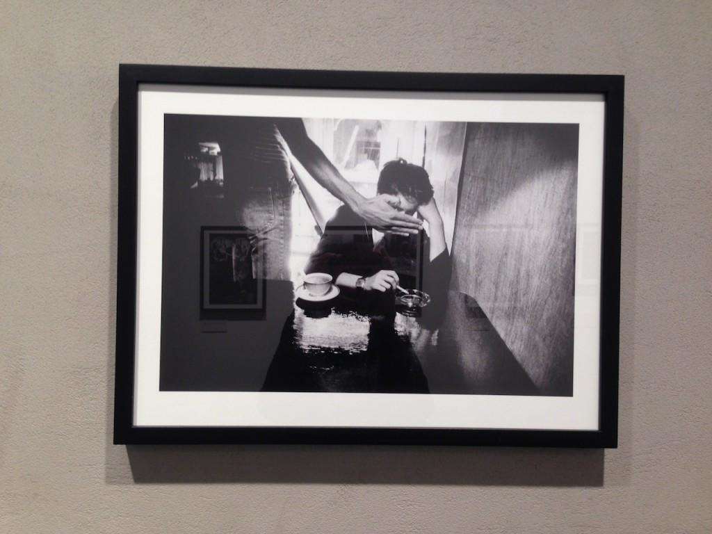 Uno degli scatti di Greene in mostra allo store Leica di Milano. uno scatto speciale per il fotografo Noor come leggerete nell'intervista.