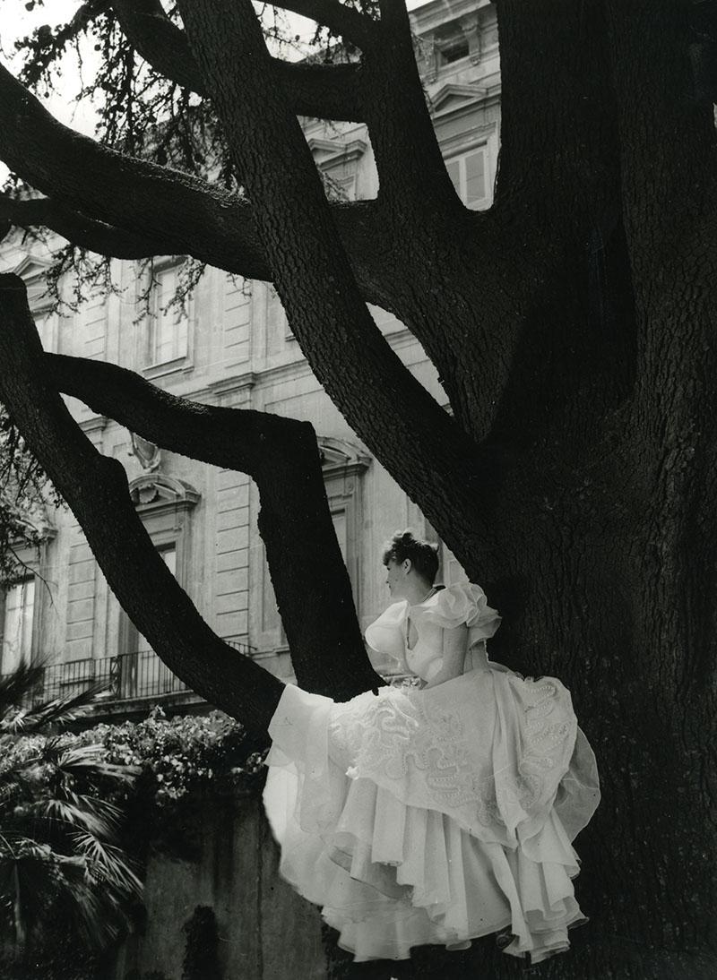 Giardini della Farnesina vestito Carosa 1948
