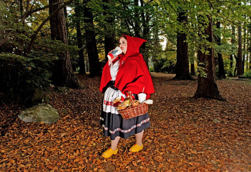 © Dina GOLDSTEIN, Red Riding Hood, 2008, courtesy of OPIOM Gallery