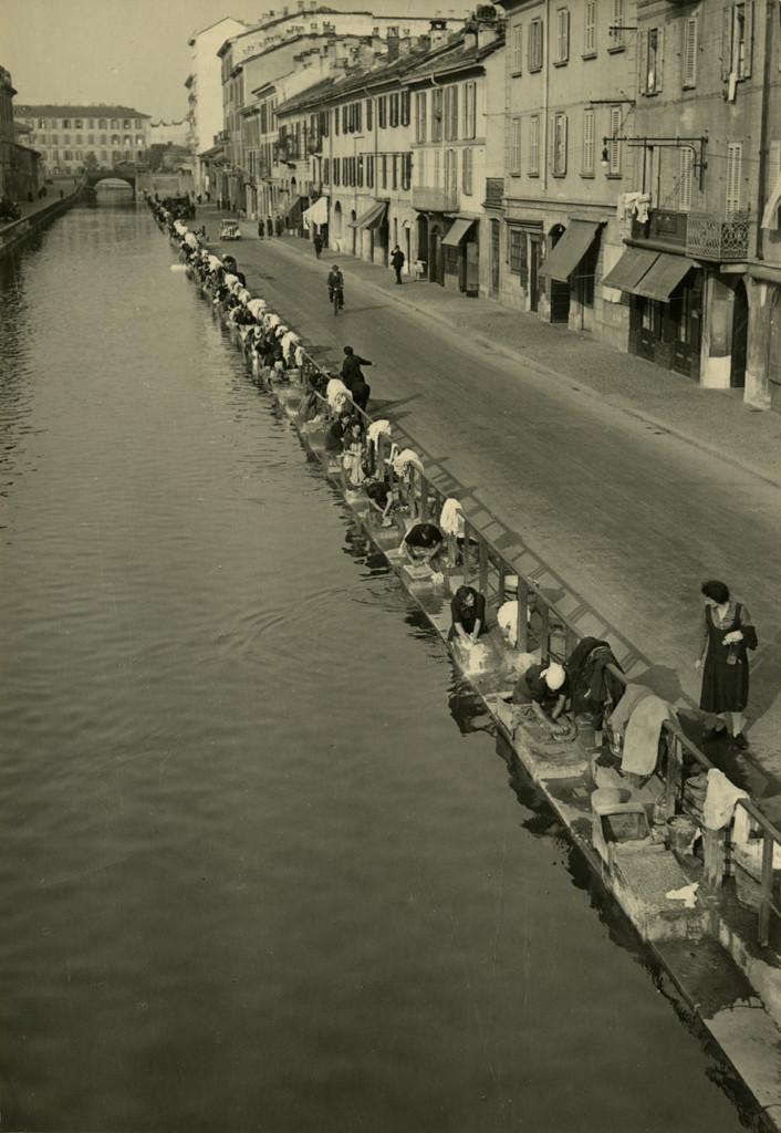 Milano, il Naviglio 1938 © Antonia Pozzi