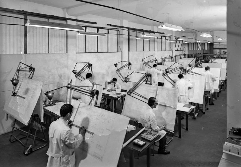 Tecnici progettisti di strumenti per la misura e il controllo in ambiente di produzione della ditta Marposs, Bologna, 14 aprile 1965 Archivi Alinari-archivio Villani, Firenze