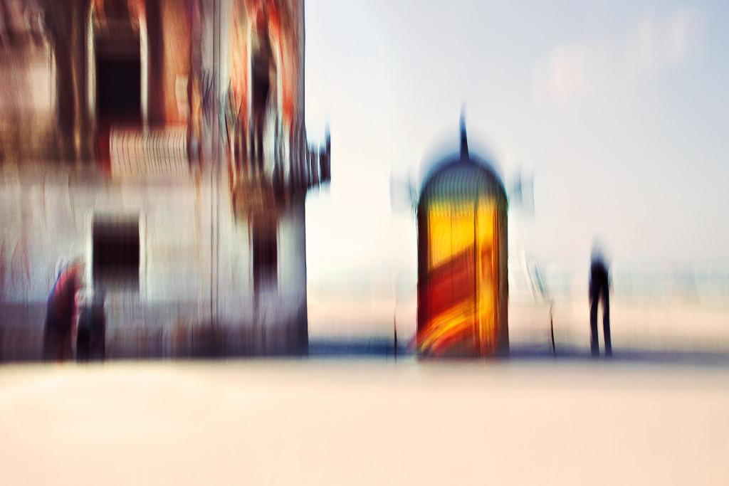 © Roberto Polillo