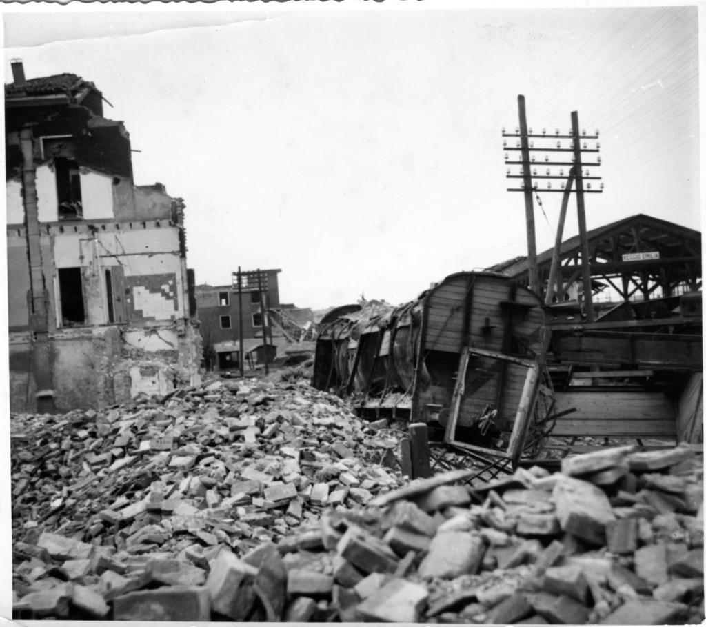 Vaiani_Bombardamenti_ 1944