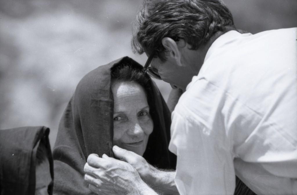 Susanna Colussi e Pier Paolo Pasolini sul set di Il Vangelo secondo Matteo,1964. © Angelo Novi/Cineteca di Bologna