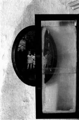 Antonio Biasiucci Il filo di Arianna #3 Gelatin silver print, 1986/7 cm 60 x 50
