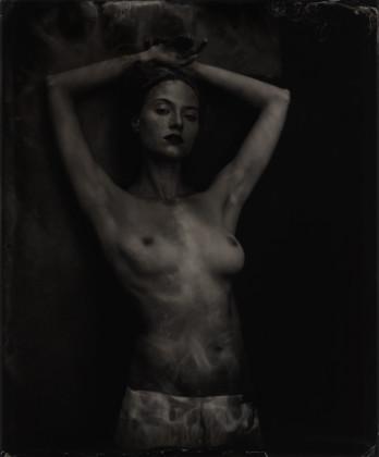 Carlo Furgeri Gilbert + Altrove. Fotografia e tessile in un Arte senza tempo.