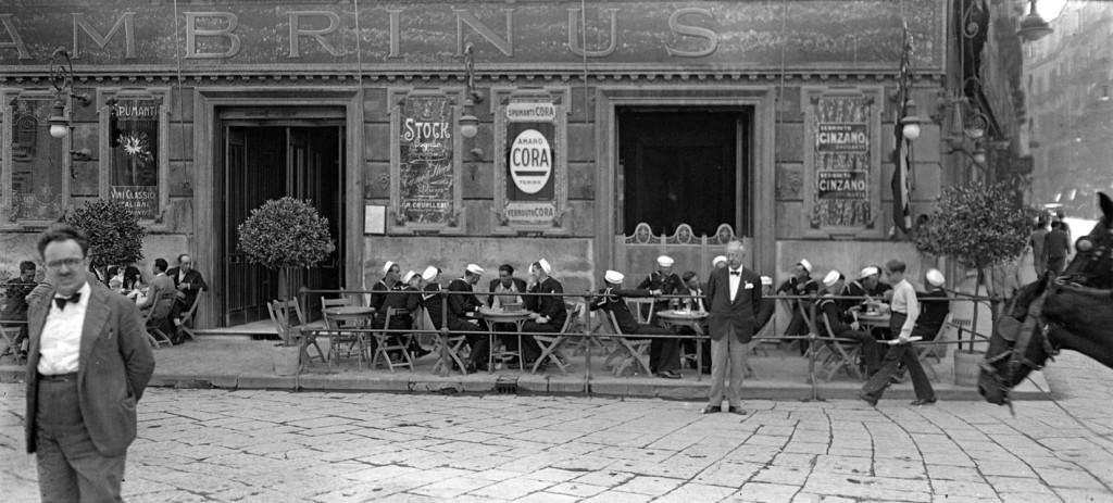 Caffè Gambrinus Studio Troncone, anni Trenta © Stefano Fittipaldi, Archivi Parisio e Troncone, Napoli