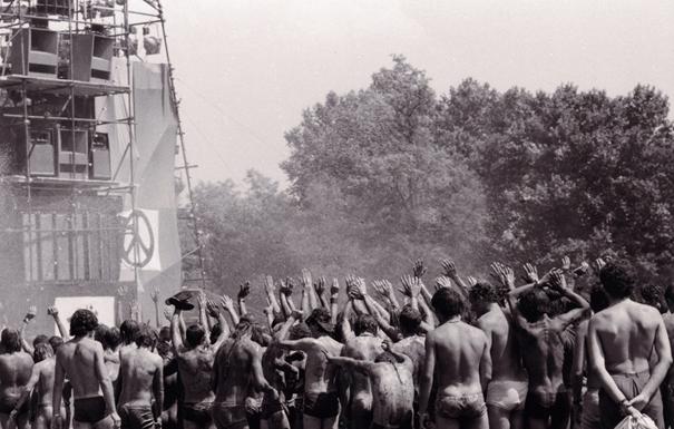 gli scatti di Sylvie Lebre sulla pop music revolution in mostra a Parigi