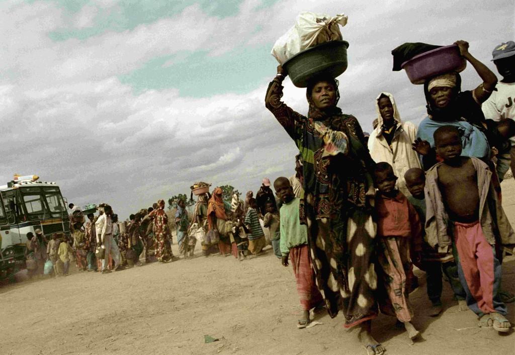 Alex Majoli Arrival to Kakuma.Kakuma. KENYA. 2002. © Alex Majoli / Magnum Photos