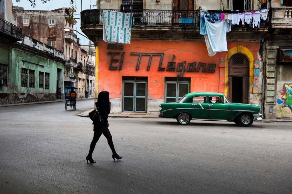 Steve McCurry: Cine El Megano in downtown near Esquina San Martin. Havana, Cuba, 2010. ©Steve McCurry