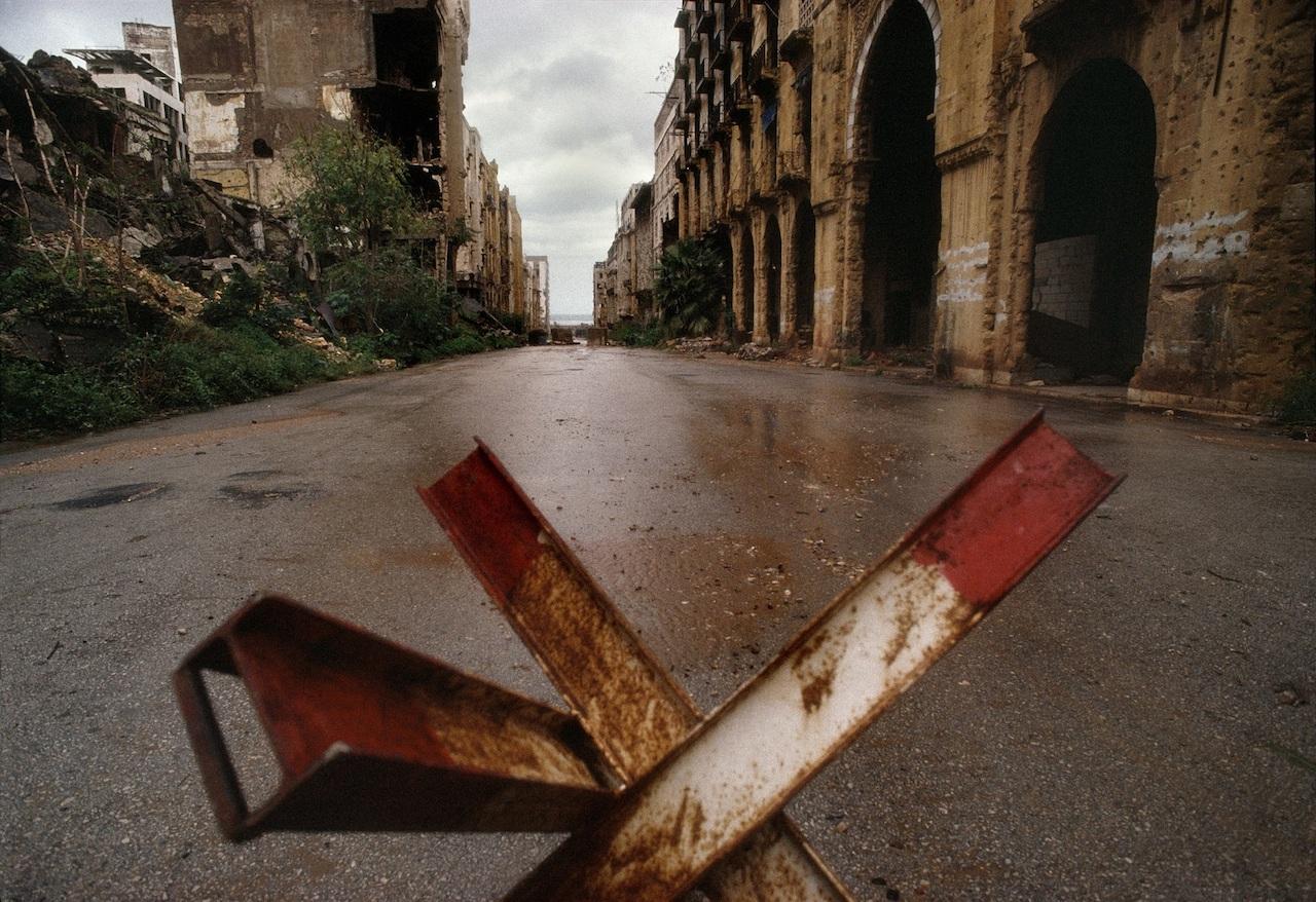 René Burri, Maarad Street. Beirut, Lebanon, 1991 © René Burri / Magnum Photos