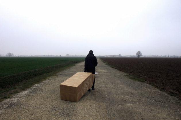 Fuori c'è il mondo, serie fotografica Lara Tosi Liceo artistico Toschi, Parma