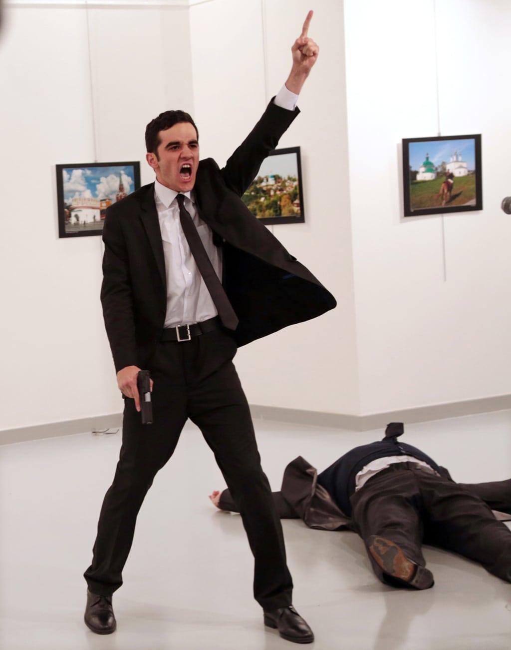 Di Burhan Ozbilici la foto dell'anno al World Press Photo 2017