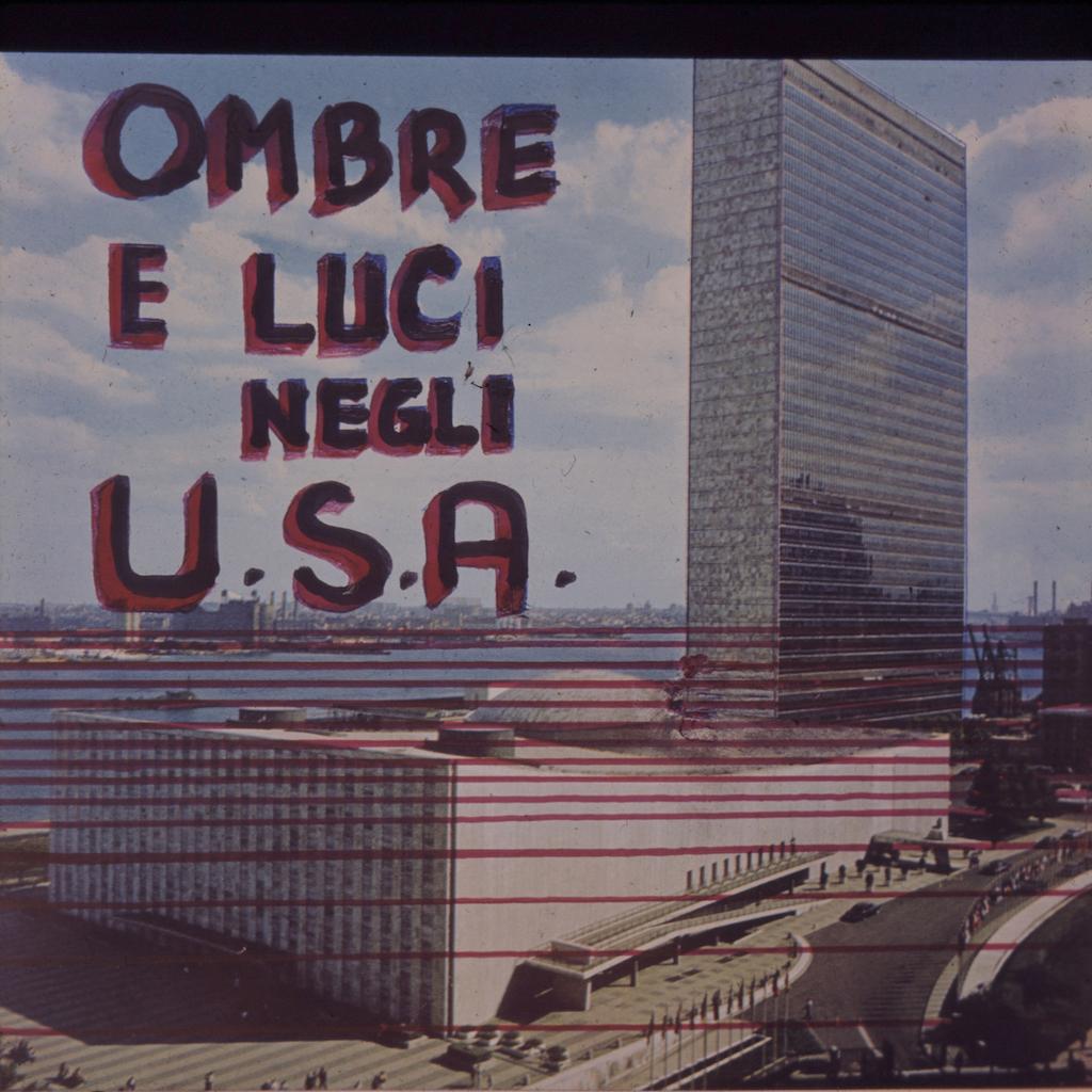 Tina Zuccoli, Ombre e luce negli U.S.A., 1964, diapositiva colore, 6x6 cm, courtesy Fondazione Fotografia Modena (Fondo Tina Zuccoli).