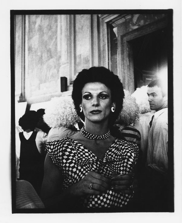 Giordano Bonora, L'incontro n.7, Bologna 1980. Stampa fotografica in bianco e nero.