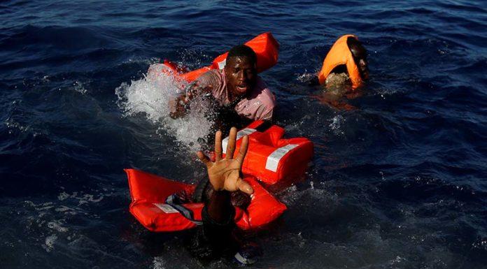 libro roberto saviano in mare non esistono taxi