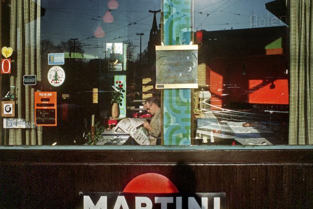arles photographie 2019 Harry Gruyaert foto bar martini