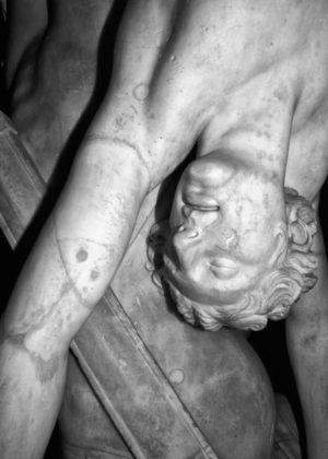 Jacopo Benassi mostra camera torino statua particolare volto
