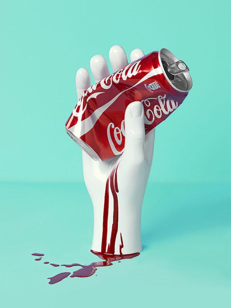 monica silva mostra Fondazione Maimeri milano foto dal titolo coca cola