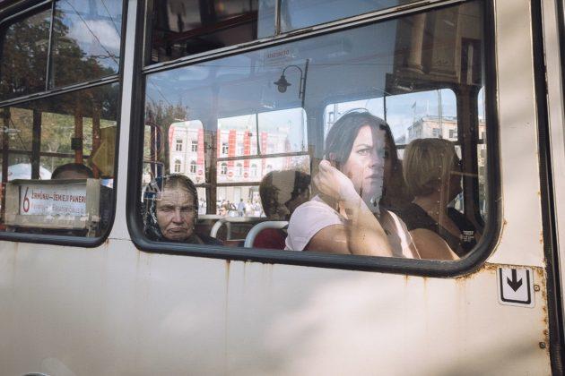 donne sull'autobus_Marzio toniolo mostra cremona