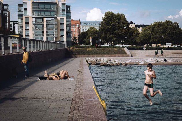 tuffo piscina_ Marzio toniolo mostra cremona