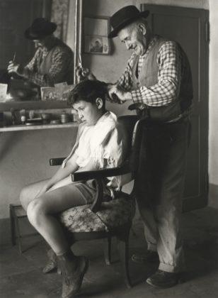 Mario Dondero barbiere di famiglia fotografia europea 2020